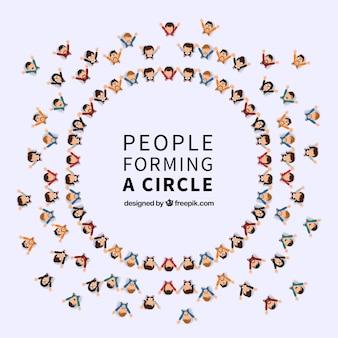 Citoyens heureux formant un cercle