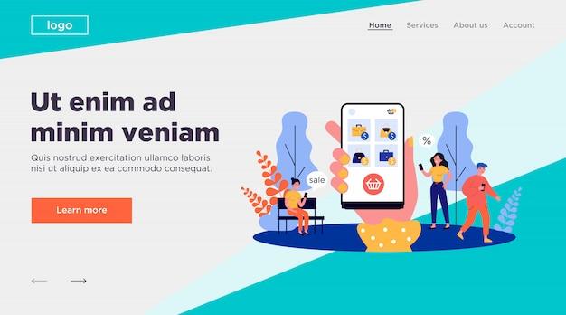Clients utilisant un téléphone mobile pour faire des achats en ligne