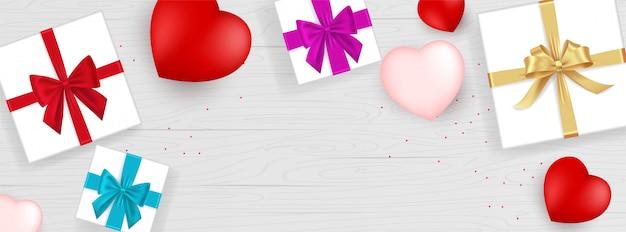 Coffret cadeau saint valentin isolé.