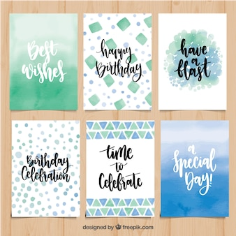 Collection abstraite de cartes d'anniversaire avec des phrases