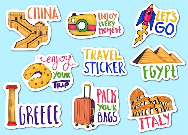 Collection d'autocollants de voyage dessinés à la main colorés