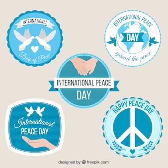 Collection de badges circulaires pour la journée internationale de la paix