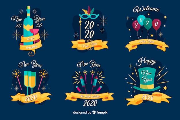 Collection de badges de nouvel an dessinés à la main