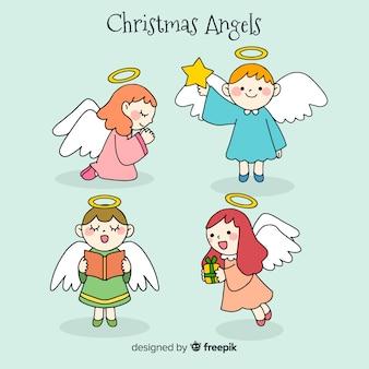Collection de beaux anges de noël dessinés à la main