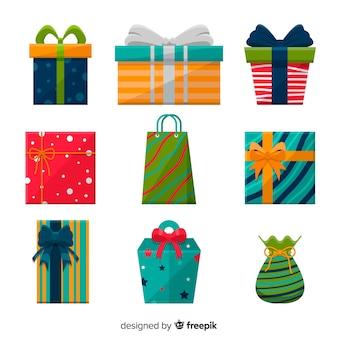 Collection de boîtes de cadeau de noël au design plat