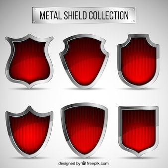 Collection de boucliers métalliques rouges