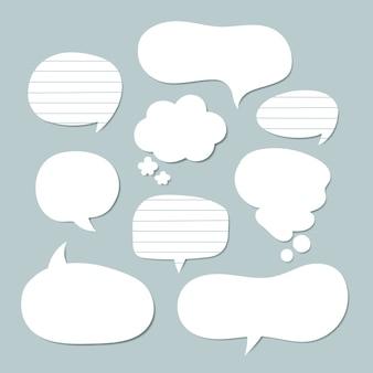 Collection de bulles de discours plat dans le style de papier