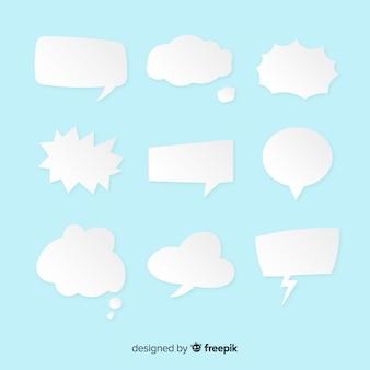 Collection de bulles de discours plat sur fond bleu clair