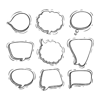 Collection de bulles de discussion avec style doodle ou croquis