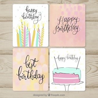 Collection de cartes d'anniversaire dans un style dessiné à la main