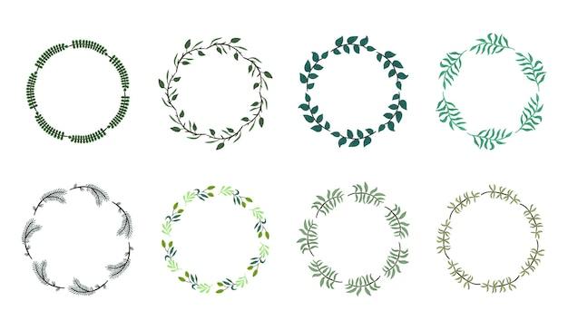 Collection de couronnes rondes botaniques fragmentaires isolées avec des feuilles et des branches