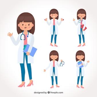 Collection de docteur féminin souriant avec presse-papiers et stéthoscope