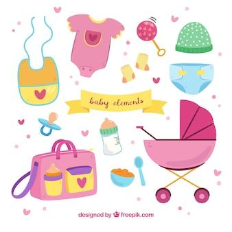 Collection d'éléments de bébé dans un style dessiné à la main