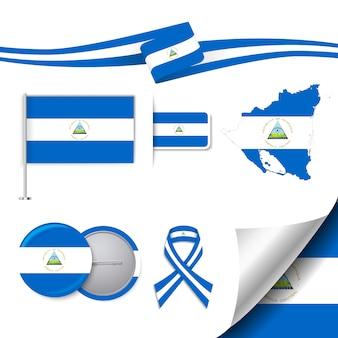 Collection d'éléments de papeterie avec le drapeau du design nicaragua