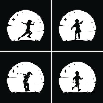 Collection d'enfants atteignent des rêves avec un fond de lune