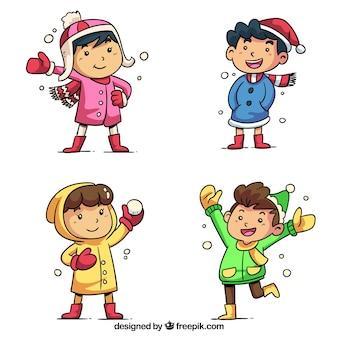 Collection d'enfants jouant des boules de neige