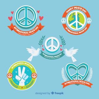 Collection d'étiquettes du jour de la paix dessiné à la main