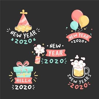 Collection d'étiquettes de nouvel an 2021 dessinés à la main