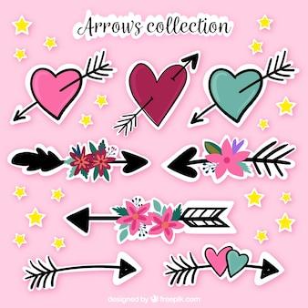 Collection de la flèche dessinée à la main et du coeur