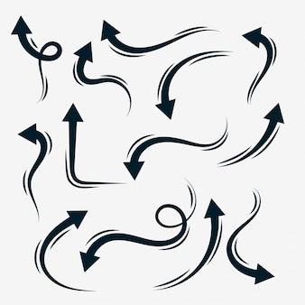 Collection de flèches dessinées à la main dans un style doodle