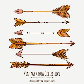 Collection de la main ethnique tirée flèches anciennes