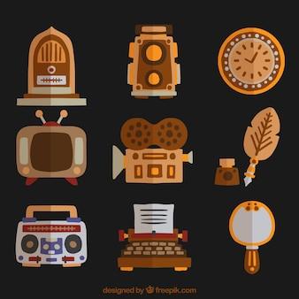 Collection d'objets anciens en design plat