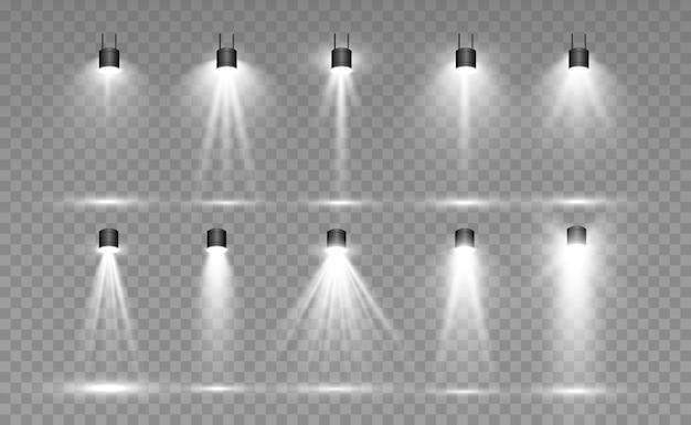Collection de projecteurs pour l'éclairage de scène, effets transparents à la lumière. lumineux bel éclairage avec des projecteurs.