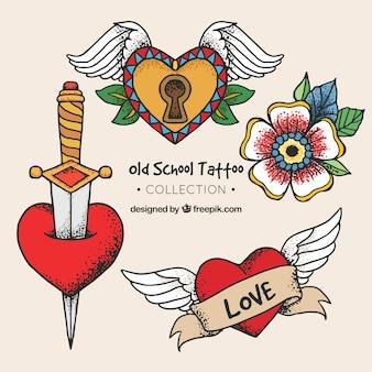 Collection de tatouages avec des coeurs