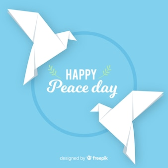 Colombes en origami pour la journée de la paix