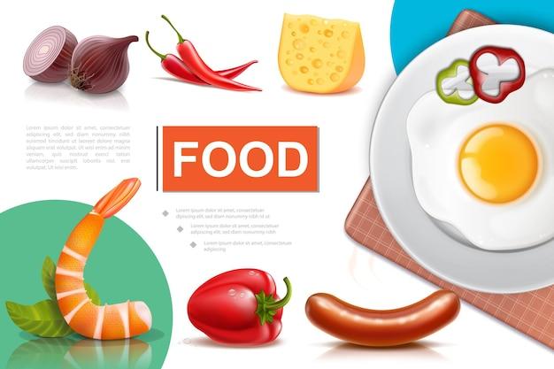 Composition d'aliments frais réalistes avec omelette aux œufs sur plaque de fromage saucisses au poivre d'oignon