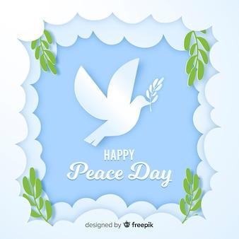 Composition de jour de paix avec colombe blanche en origami