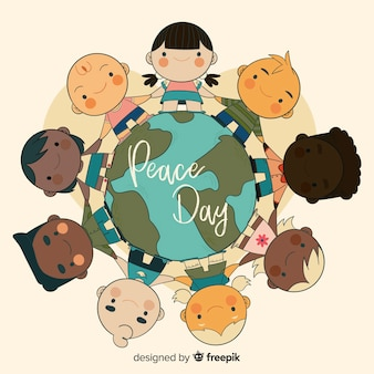 Composition de la journée de la paix dessinée à la main avec des enfants tenant par la main