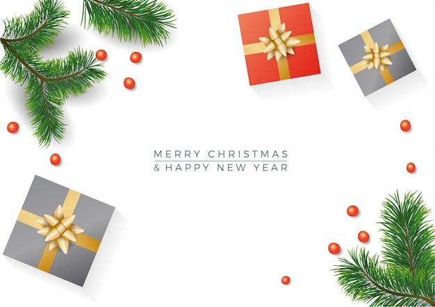 Composition de noël cadeaux, branches de sapin, cadeau sur blanc