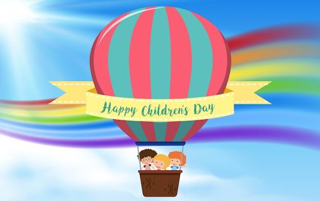 Concept de ballon à air chaud pour enfants heureux