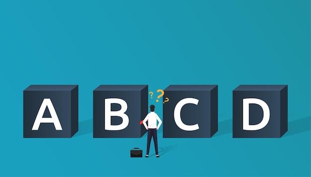 Concept de choix d'entreprise avec caractère homme d'affaires devant quatre boîtes avec alphabet différent. décideur en entreprise et cheminement de carrière.