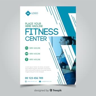 Concept de modèle de flyer fitness créatif