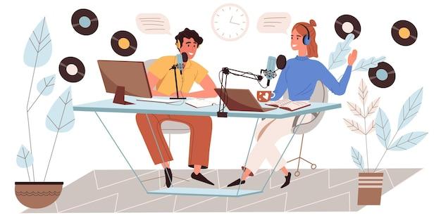 Concept d'enregistrement de podcast audio au design plat. l'homme et la femme parlent aux microphones, travaillent sur des ordinateurs, diffusent une conversation ou interviewent en studio. le podcast héberge la scène des gens. illustration vectorielle