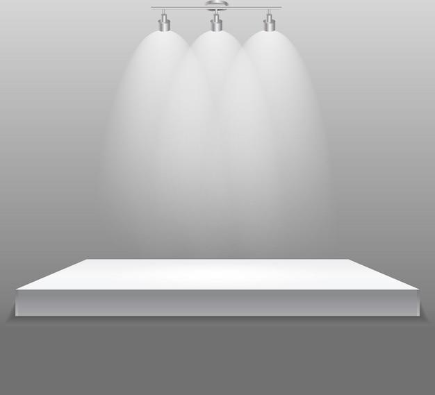 Concept d'exposition, étagère vide blanche avec éclairage sur gris wal