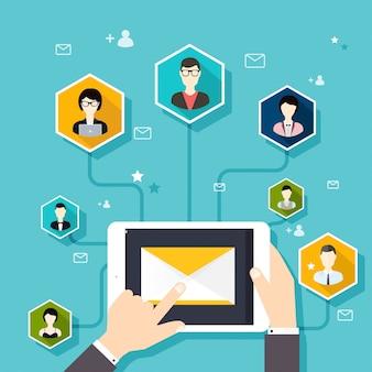 Concept marketing de l'exécution d'une campagne d'e-mail, publicité par e-mail, marketing numérique direct.