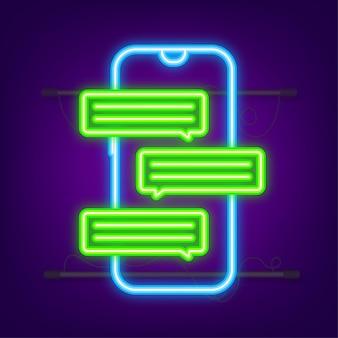 Concept de messagerie main tenant un smartphone avec des gens qui discutent des bulles de texte sur l'écran du téléphone