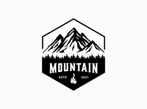 Concept de montagne pour le modèle de logo d'aventure en plein air
