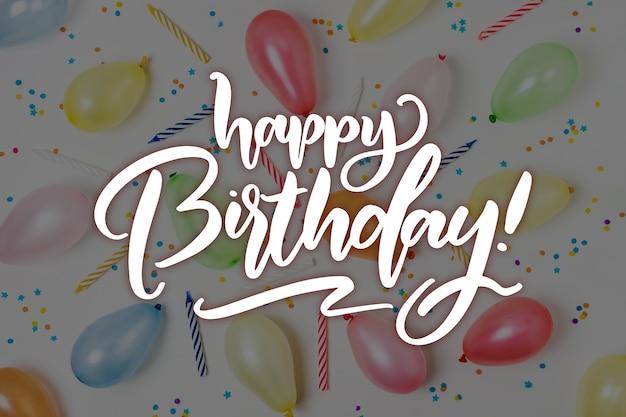 Concept de souhait coloré joyeux anniversaire lettrage