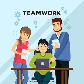 Concept de travail d'équipe avec des personnes au comptoir