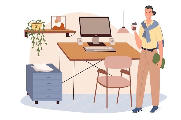 Concept web en milieu de travail. femme buvant du café debout près du bureau avec ordinateur. femme d'affaires travaillant dans un bureau confortable