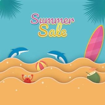Conception d'affiche de vente d'été avec des éléments de plage et des vagues de papier découpé sur fond bleu.