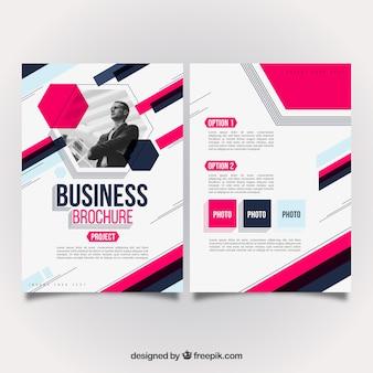Conception de brochure d'affaires rose