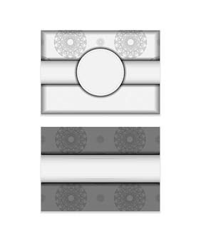 Conception de carte postale prête à imprimer couleurs blanches avec motifs de mandalas noirs. modèle d'invitation avec place pour votre texte et ornement.