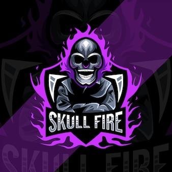 Conception d'esport de logo de mascotte de feu de crâne