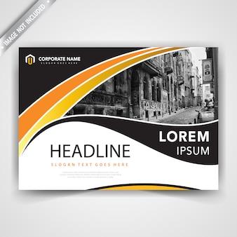 Conception horizontale de brochure ondulée
