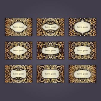 Conception de jeu de carte de visite de luxe avec des éléments de mandala floral oriental